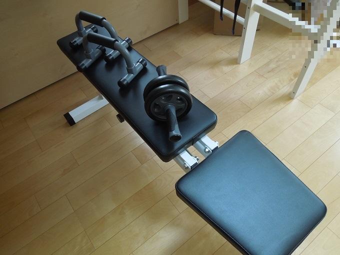 ワニ銀筋トレ器具が届いたプッシュアップバー腹筋ローラーインクラインベンチ